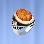 Перстень серебряный с янтарём