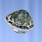 Серебряное кольцо. Клинохлор
