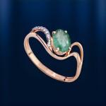 Кольцо золотое с изумрудом и бриллиантами