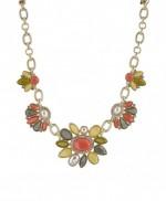 Halskette mit Anhaenger von Jade & Jasper
