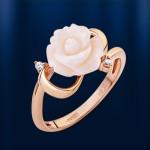 Кольцо золотое с корaллом