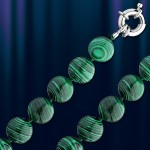 Ожерелье из малахита