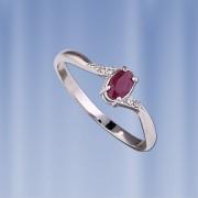 Серебряное кольцо с рубином, цирконами