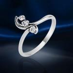 Кольцо из серебряное. Фианиты