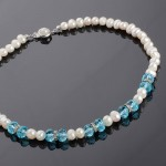 Ожерелье из жемчуга и кристаллов