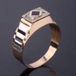 Золотой перстень мужской. Фианит & Эмаль