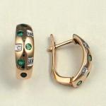 Золотые серьги с бриллиантами, изумрудами