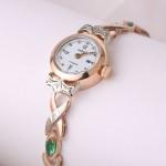 Часы женские Чайка с золотым браслетом. Изумруды & Бриллианты
