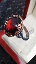 Серебряное кольцо с гранатом Мелодия дождя
