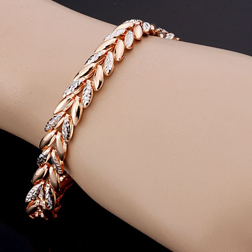 Золотые литые браслеты на руку